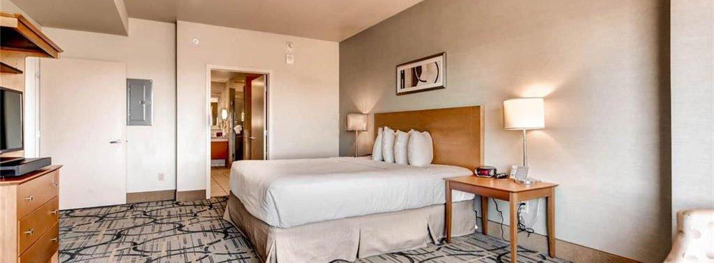 Platinum Condo Hotel Las Vegas room view1